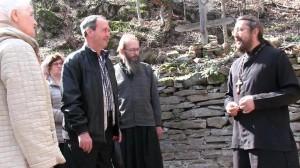 Проповедь в горах у древнего храма Апостола Андрея Первозванного. Священник Игорь Сильченков